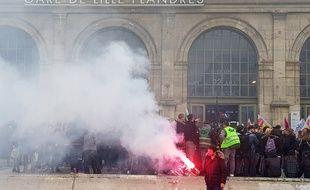 Environ 300 étudiants ont manifesté à Lille contre la loi ORE.