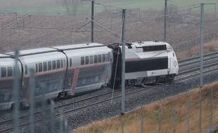La motrice et les quatre premières voiture du TGV Strasbourg-Paris de 7h19 sont sorties des rails ce jeudi à 7h45.