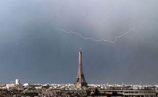 Un orage à Paris (illustration).