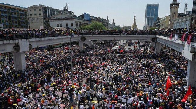 Birmanie : Pendant que les manifestations se poursuivent, Aung San Suu Kyi de nouveau inculpée - 20 Minutes