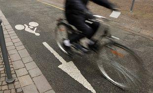 Un cycliste dans une rue de Lille (illustration).