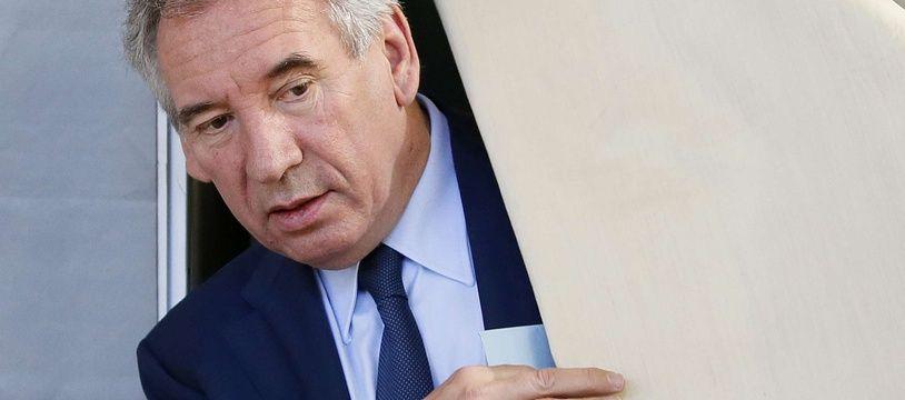 Le Garde des Sceaux, Francois Bayrou a voté à Pau dimanche 11 juin 2017 pour les élections législatives.