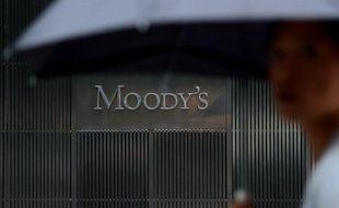 """L'agence de notation Moody's a dégradé jeudi de deux crans, à """"Baa2"""", la note de McGraw-Hill, maison mère de sa plus grande concurrente Standard & Poor's, en raison notamment des risques juridiques liés aux poursuites lancées contre elle par les autorités américaines."""