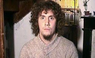 Clement Legrand, frère de Pierre Legrand, s'adresse aux ravisseurs de son frère, dans une video publiée le 08 décembre 2012.