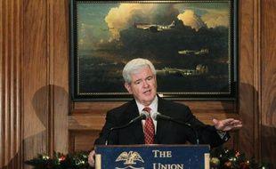 La course à l'investiture républicaine pour la présidentielle de 2012 très ouverte jusqu'à maintenant tourne au duel entre le modéré Mitt Romney et le vieux loup conservateur Newt Gingrich, un mois avant la toute première confrontation avec les électeurs.
