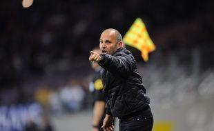 Pascal Dupraz, l'entraîneur du TFC, lors du match de Ligue 1 contre Troyes, le 7 mai 2016 au Stadium de Toulouse.