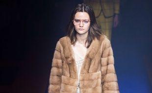 La marque Gucci a annoncé qu'elle bannirait les fourrures à partir de la collection printemps-été 2018.
