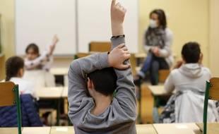 Ecole, transports, travail... Le coronavirus continue de bouleverser nos vies (illustration).