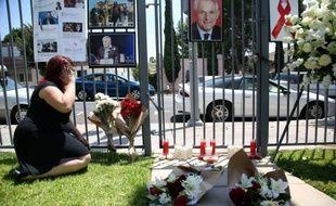 Un espace de recueillement à la mémoire de Joep Lange, une des figures mondiales en matière de lutte contre le virus du sida, qui se trouvait à bord de l'avion abattu. A Los Angeles, le 18 juillet 2014.