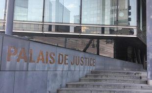 Le palais de justice de Grenoble. Illustration.