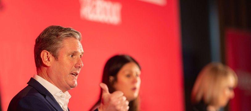 Le nouveau leader du Labour britannique, Keir Starmer, lors d'un débats avec ses concurrentes Lisa Nandy et Rebecca Long-Bailey.