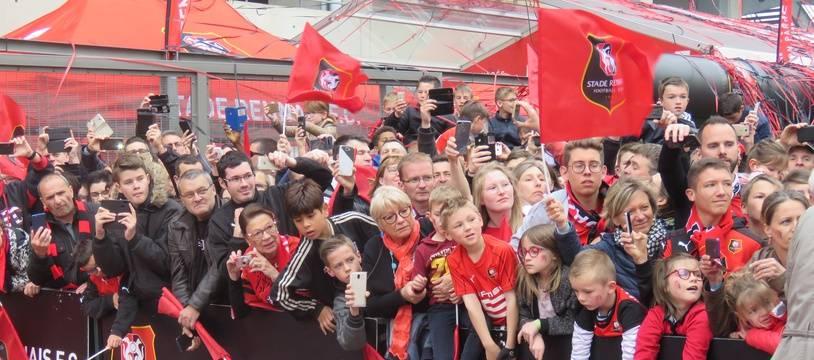 Les supporters rennais sont venus en nombre pour accueillir les héros du Stade de France.