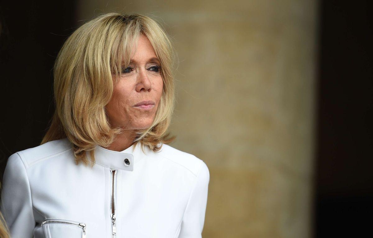 Brigitte Macron, aux Invalides, le 13 juillet 2017.  Credit:Blondet-POOL/SIPA – SIPA