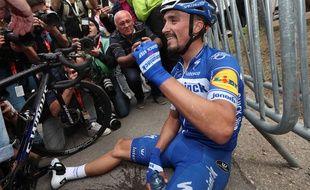 Julian Alaphilippe savoure sa deuxième victoire de rang sur la Flèche Wallonne.