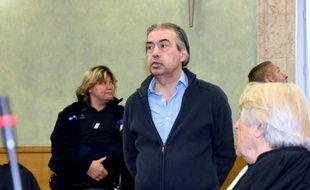 Le jardinier français Jean-Louis Cayrou à l'ouverture de son procès à Rodez, le 23 mai 2016