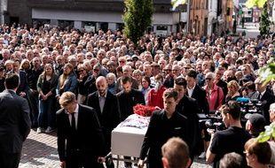 Les funérailles de Lambrecht à à Knesselare, en Belgique.