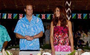 Kate Middleton et le prince William, outrés de la publication par Closer de photos seins nus de la duchesse de Cambridge, contre-attaquent lundi soir devant la justice française pour obtenir que le magazine people ait interdiction de diffuser les clichés.