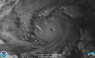 Image de l'ouragan Lane, qui est passé en catégorie 5 et se dirige vers Hawaï.