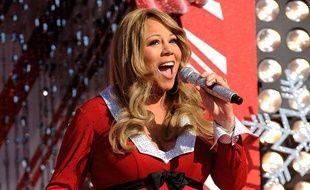 Mariah Carey chante au parc Disney de Floride, le 3 décembre 2010.