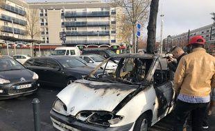La voiture a été brûlée dans la nuit de mardi à mercredi.