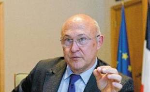 Le ministre Michel Sapin vise 100000 contrats d'avenir en 2013.