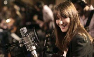 Carla Bruni dévoile le clip de «Mon Raymond»