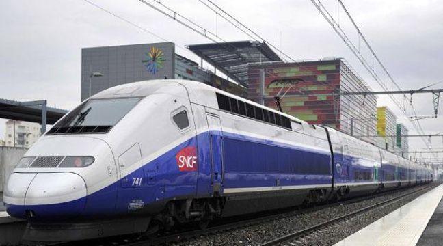 Un TGV de la SNCF à Perpignan en janvier 2011. – DAMOURETTE/SIPA