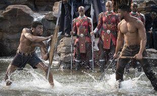 Chadwick Boseman et Michael B. Jordan dans le film «Black Panther».