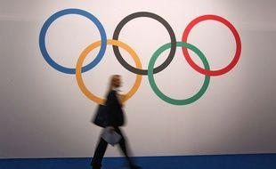 Les anneaux olympiques (illustration).