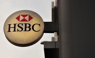 Le géant bancaire britannique HSBC a indiqué à son tour lundi être visé par l'enquête de plusieurs autorités sur de possibles manipulations du marché des changes, une nouvelle affaire potentiellement explosive pour le monde de la finance.