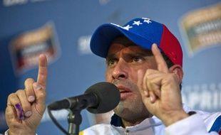 L'opposition a déposé un recours officiel auprès du Conseil national électoral (CNE) afin d'obtenir un nouveau comptage des votes de la présidentielle de dimanche, a annoncé son chef de file Henrique Capriles dans un message publié mercredi sur Twitter.
