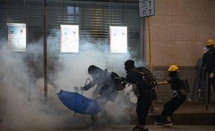 Heurts entre manifestants et forces de l'ordre le 28 juillet 2019 à Hong Kong