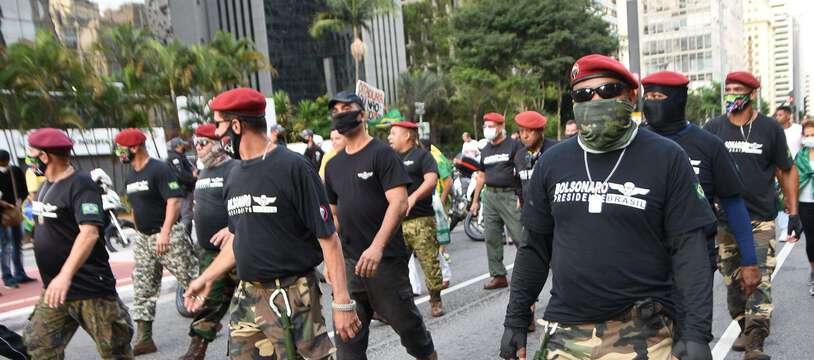 Des partisans du président Jair Bolsonaro manifestent le 1er mai à Sao Paulo.