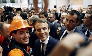 Emmanuel Macron aux « 24 heures du bâtiment » au Palais des congrès de Paris le 6 octobre 2017. Thibault Camus / POOL / AFP