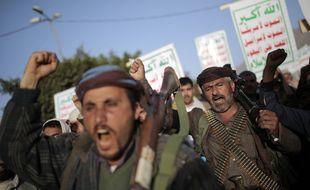 Une manifestation de rebelles Houthis, en guerre contre le gouvernement yéménite et l'Arabie saoudite depuis dix ans.