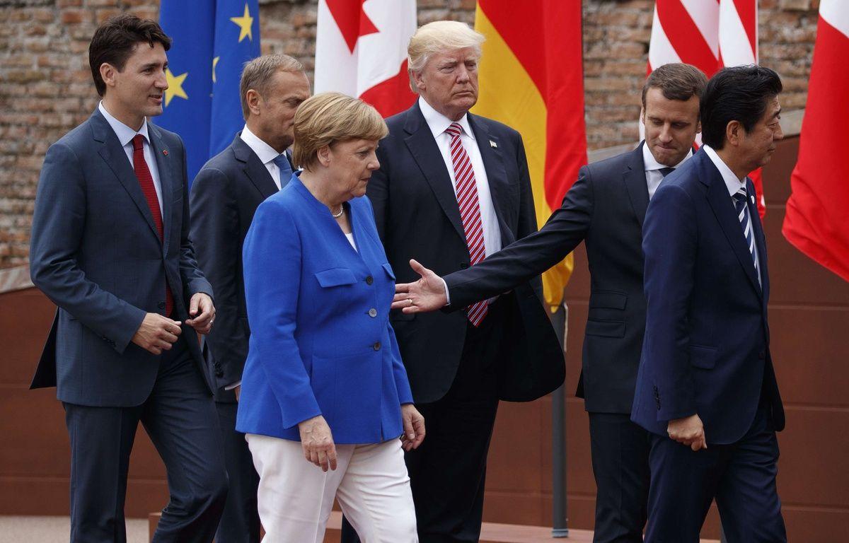 Justin Trudeau, Jean-Claude Junker, Angela Merkel, Donald Trump, Emmanuel Macron, Shinzo Abe au sommet du G7 à Taormina en Italie, le 26 mai 2017. –  Evan Vucci/AP/SIPA