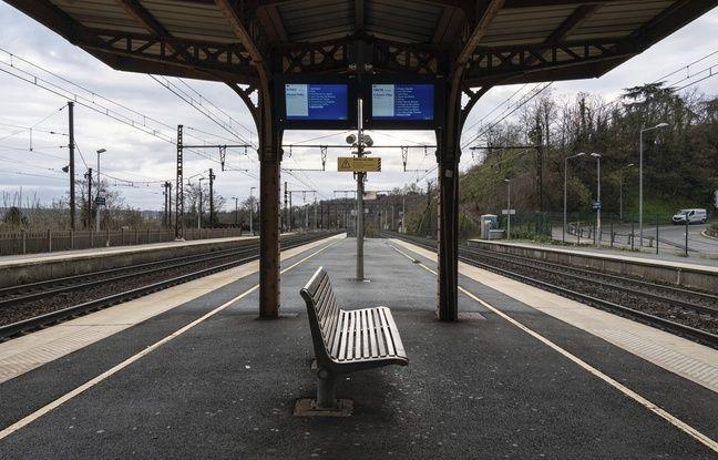 An empty SNCF station in Saint Germain au Mont d'Or, December 9, 2019.