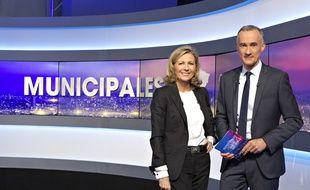 Claire Chazal et Gilles Bouleau sur TF1, le 23 mars 2014.