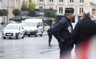 Illustration d'un intervention de la police ici à République, à Rennes.