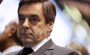 """L'ancien Premier ministre français François Fillon a exprimé vendredi à Berlin sa crainte que le ton ne se durcisse entre dirigeants français et allemands après les législatives de septembre en Allemagne, assurant que cette relation avait """"rarement"""" été aussi mauvaise."""
