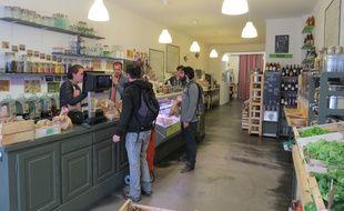 A Bordeaux le 22 septembre 2015, les créateurs de la Recharge veulent aider d'autres entrepreneurs à créer leur épicerie.