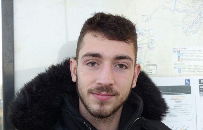 Ryan, 19 ans, a fait partie des 151 lycéens interpellés le 6 décembre. Il nous a raconté comment il a vécu cette interpellation musclée et la vidéo qui a fuité.