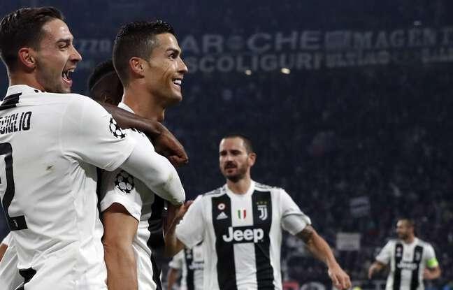 Mattia De Sciglio a croisé de sacrés joueurs durant sa carrière en Serie A, comme ici un certain Cristiano Ronaldo avec la Juve.