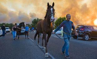 L'évacuation des Pennes-Mirabeau, le 11 août 2016.