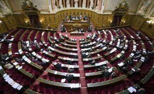 Le Parlement a adopté définitivement jeudi le texte sur la retenue de 16 heures pour les sans-papiers, qui remplace le dispositif de garde à vue, devenu illégal.