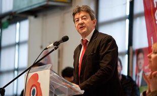 Jean-Luc Mélenchon lors d'une réunion du Front de gauche à Ivry-sur-Seine (Val-de-Marne), le 28 avril 2012.