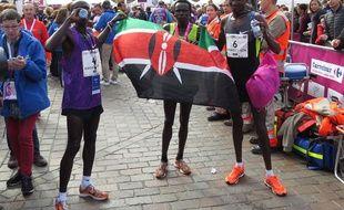 Les Kényans ont signé un nouveau triplé au marathon de Toulouse Métropole, remporté par Matthew Sang Kibiwott (à droite).