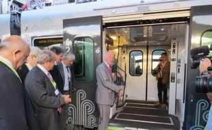 Inauguration du nouveau train Regio 2N par le président de la région Aquitaine Alain Rousset, le 15 septembre 2014