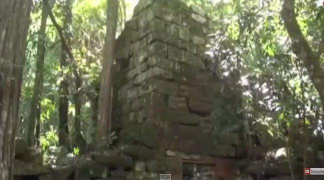 video argentine une rep re nazi d couvert au milieu de la jungle. Black Bedroom Furniture Sets. Home Design Ideas