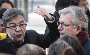 Jean-Luc Mélenchon et Pierre Laurent en conférence de presse à Paris, le 24 février 2017.
